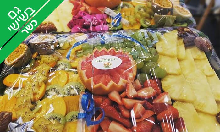 6 מגש פירות כשר של Enerjuicer ב-Take Away, בר משקאות בריאות ומיצים טבעיים בכיכר רבין