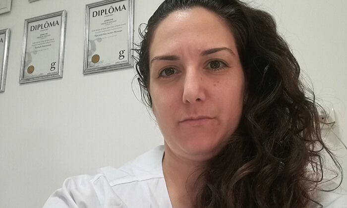 3 טיפול פנים בקליניקת שרון קוסמטיקה מתקדמת, אזור