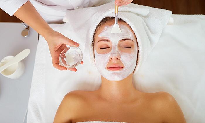 2 טיפול פנים בקליניקת שרון קוסמטיקה מתקדמת, אזור
