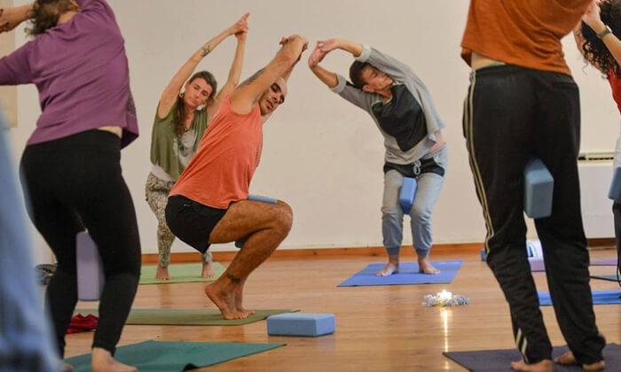 4 שיעורי יוגה ב-YAM מרכז יוגה ורפואה משלימה, חיפה