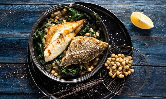 """9 ארוחה זוגית במסעדת בני הדייג נמל ת""""א - כולל יין וקינוח"""