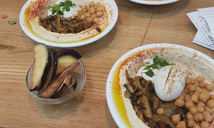 5 צלחת חומוס ושתייה במפגש הטאבון, אשקלון