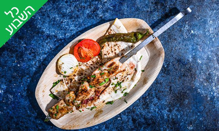 6 ארוחת שיפודים זוגית בסטלה ביץ' - דג על הים, בת ים