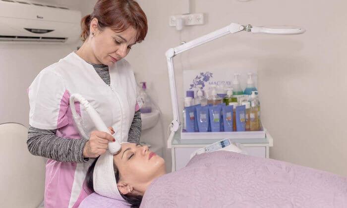 4 טיפולי פנים במרכז Vita Derm, נתניה