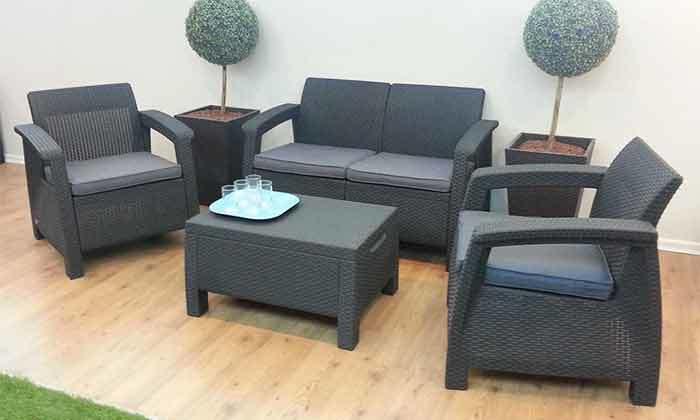 3 כתר: מערכת ישיבה בעיצוב דמוי ראטן