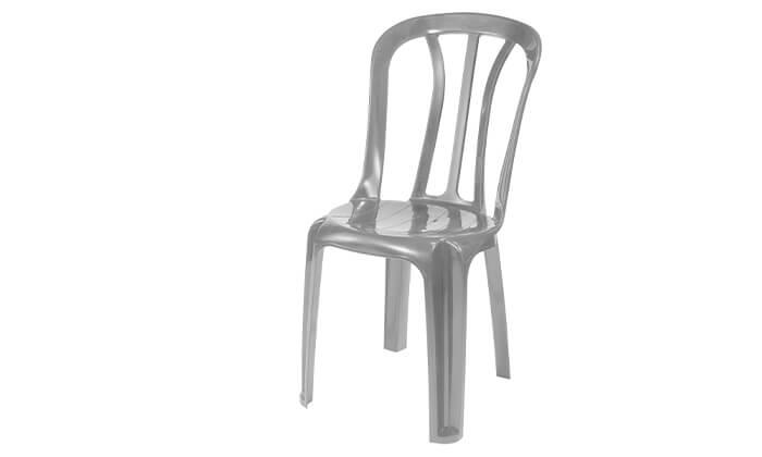 3 כתר: שישיית כסאות פלסטיק
