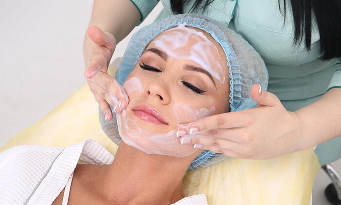 2 טיפולי פנים אצל ורוניקה קוסמטיקס, הוד השרון