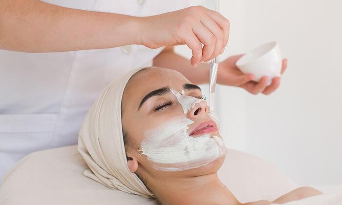 4 טיפולי פנים אצל ורוניקה קוסמטיקס, הוד השרון