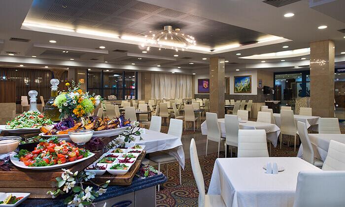 2 ארוחת ערב כשרה במלון סנטרל פארק אילת