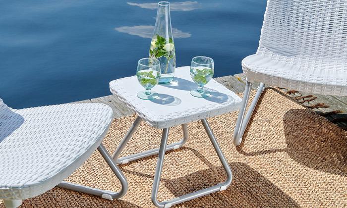 3 כתר: זוג כסאות עם שולחן, דגם ריו
