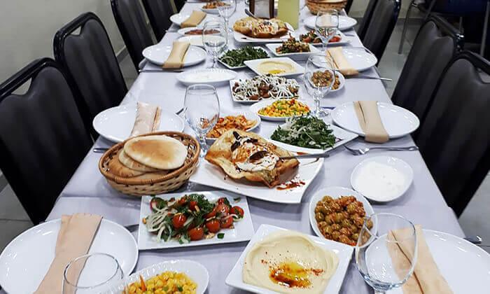 4 ארוחה זוגית במסעדת לארין, עין מאהל