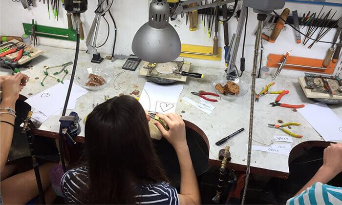 5 סדנת צורפות בסטודיו ליאת ולדמן, חיפה