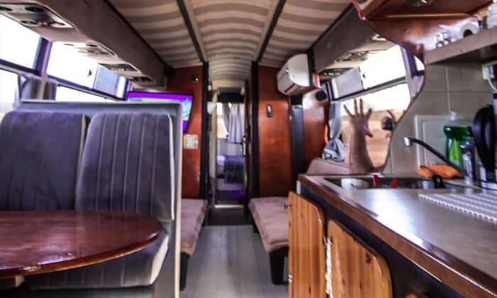 6 גלגלים לוהטים - אוטובוס קרוואן