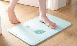שטיח הקסם לספיגת מים באמבטיה