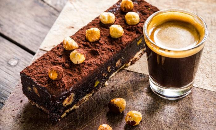 11 מסעדת מקום בלב רעננה - ארוחת בוקר או ערב