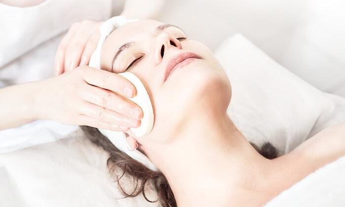 2 טיפולי פנים אצל מירי קוסמטיקס, רעננה