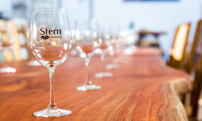 4 סיור וטעימות יין - יקב שטרן, קיבוץ תובל