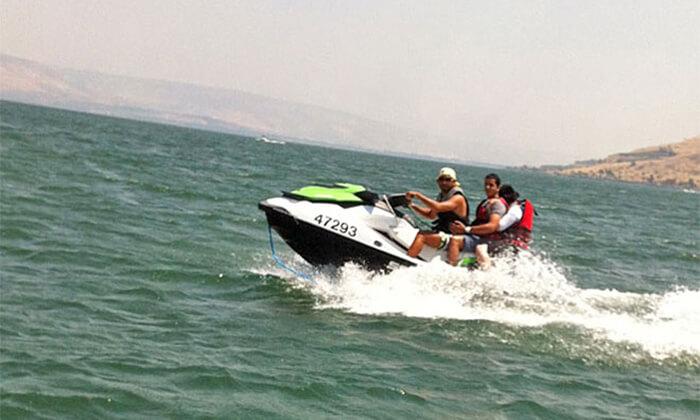 2 שייט זוגי על אופנוע ים ב'עולם המים', ספורט ימי על שפת הכנרת