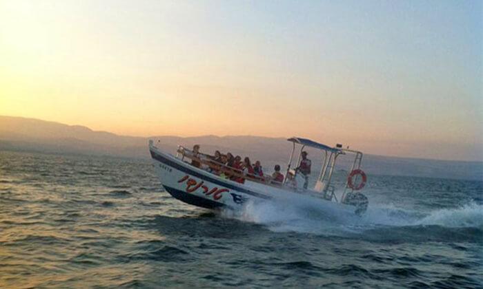 4 שייט בסירת סילון, 'עולם המים' - ספורט ימי על שפת הכנרת
