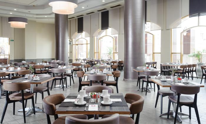 3 ארוחת בוקר בופה במלון לאונרדו נגב, באר שבע