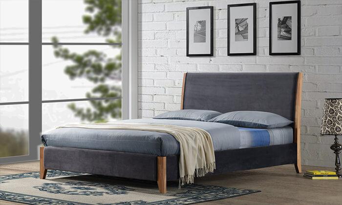 3 שמרת הזורע: מיטה זוגית מרופדת