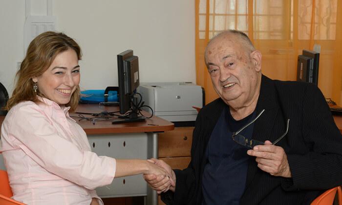 3 תרומה לעמותת אביב הפועלת למען ניצולי השואה