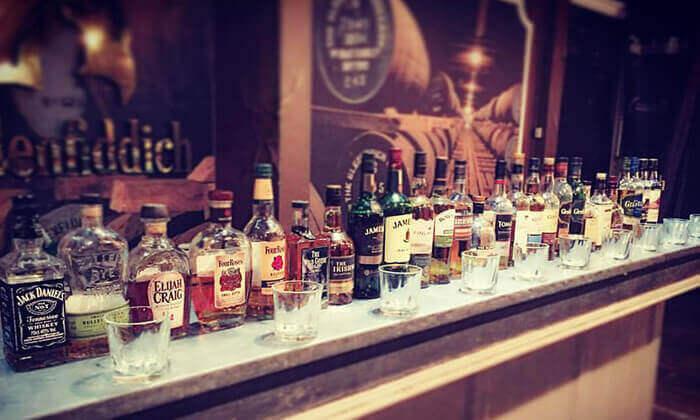7 זמן אמיתי - סדנת אלכוהול בבית הספר לברמנים בתל אביב