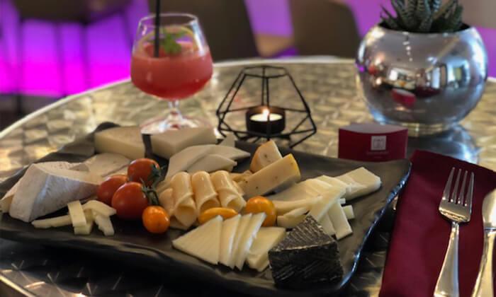 3 ארוחת צהריים או ערב במלון לאונרדו סיטי טאוור, רמת גן