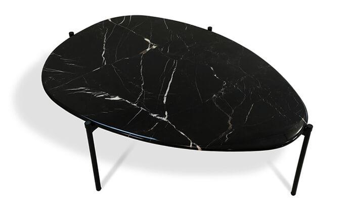 4 שמרת הזורע: שולחן שיש לסלון