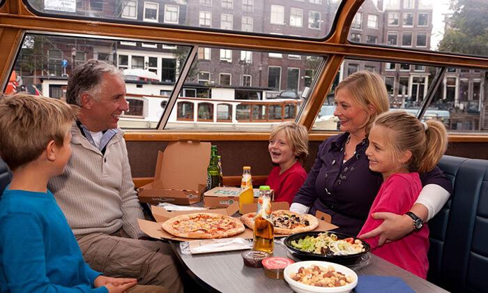 3 Pizza Cruise - שייט באמסטרדם כולל פיצה, נשנושים, שתייה ופינוקים