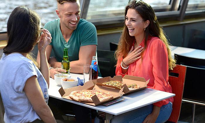 5 Pizza Cruise - שייט באמסטרדם כולל פיצה, נשנושים, שתייה ופינוקים