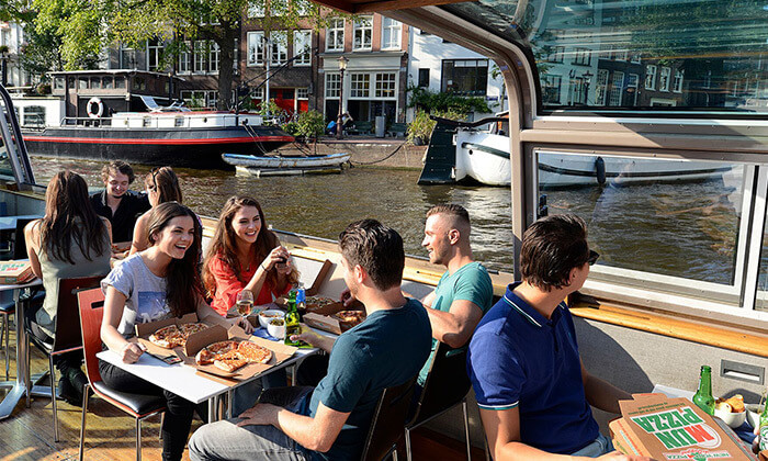 2 Pizza Cruise - שייט באמסטרדם כולל פיצה, נשנושים, שתייה ופינוקים