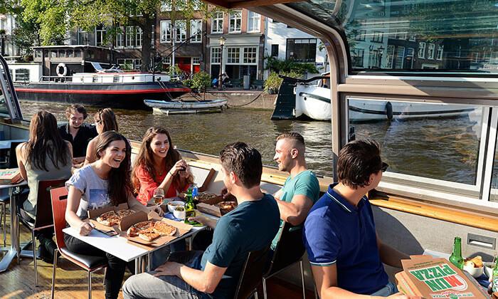 Pizza Cruise - שייט באמסטרדם כולל פיצה, נשנושים, שתייה ופינוקים