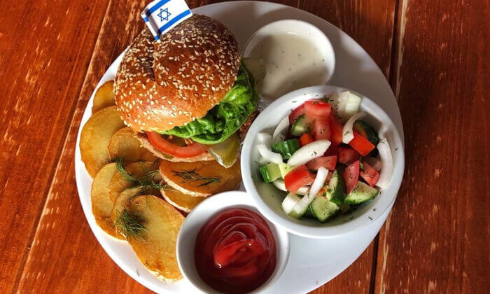 """4 ארוחת המבורגר ובירה בבר מסעדה Craft TLV, בן יהודה ת""""א"""