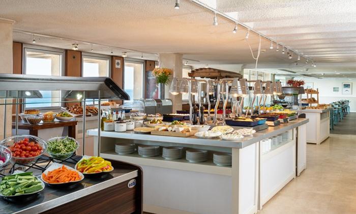 5 ארוחת בוקר במלון לאונרדו ארט, חוף גורדון תל אביב