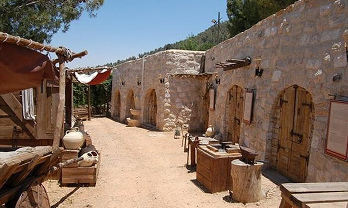 2 מוזיאון עין יעל - סיור חווייתי והשתתפות במגוון סדנאות מלאכה לקבוצה, ירושלים