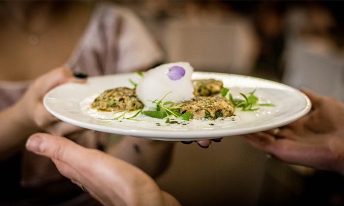 8 מסעדת HFA של שף שחר דבח בעיר התחתית, חיפה - ארוחת פרימיום זוגית