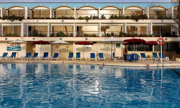 2 אוקטובר באילת: מלון אמריקנה, כולל טיסות