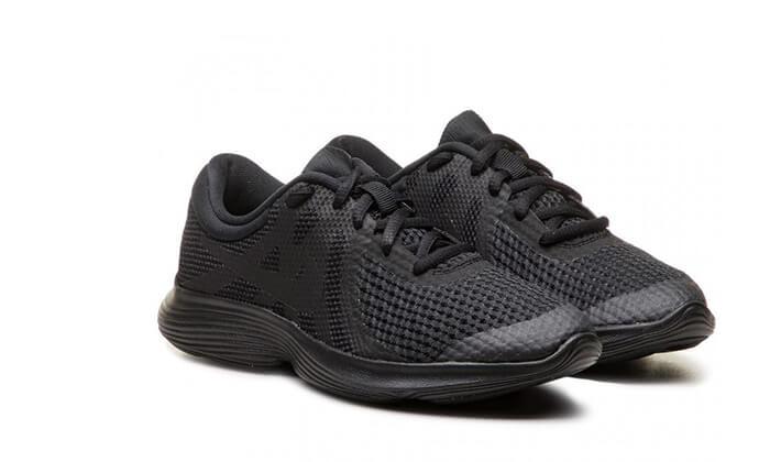 13 נעלי NIKE לגברים, נשים וילדים