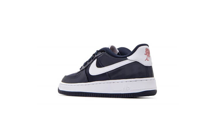 11 נעלי NIKE לגברים, נשים וילדים