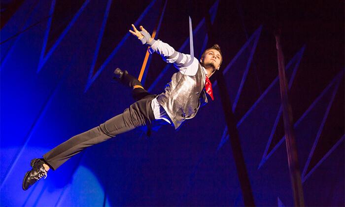 8 THE BIG MAGIC CIRCUS המופע המקורי מגיע לישראל