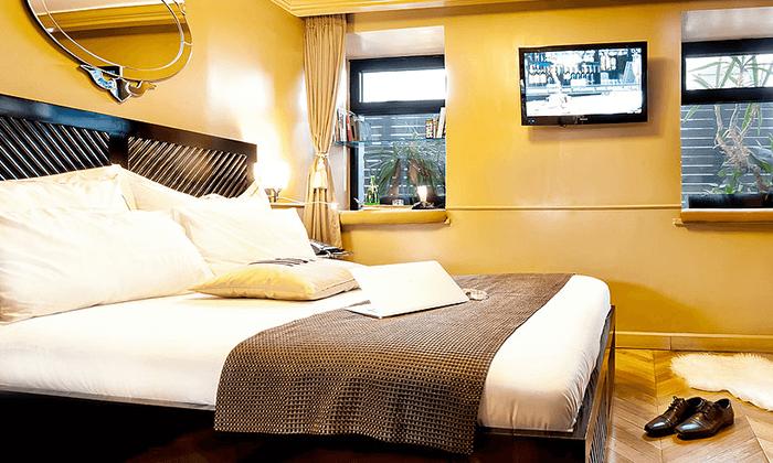 """9 מונטיפיורי 16 - מלון בוטיק אורבני, כולל סופ""""ש"""