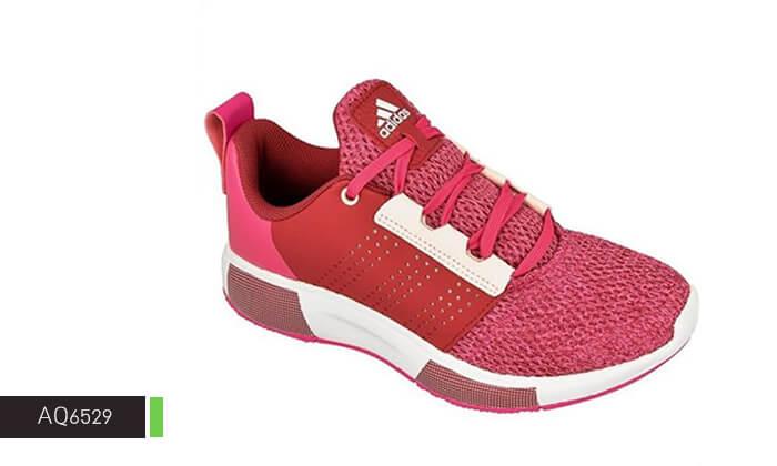 6 נעלי ספורט לנשים Adidas