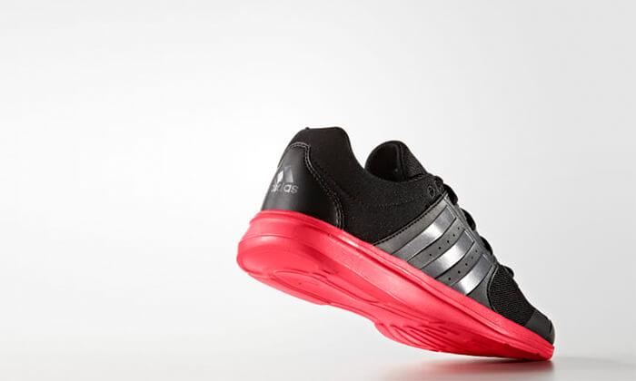 19 נעלי ספורט לנשים Adidas