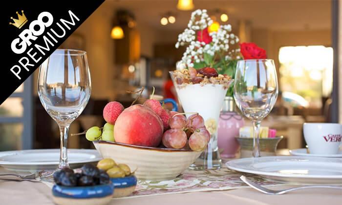 2 ארוחת בוקר זוגית כשרה במלון גרנד ויסטה, כפר יובל