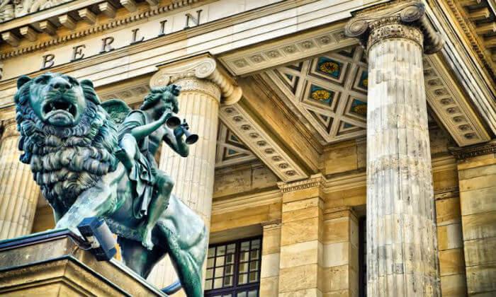 4 ברלין על כרכרת סוסים - סיור מודרך בין האתרים הכי שווים בעיר