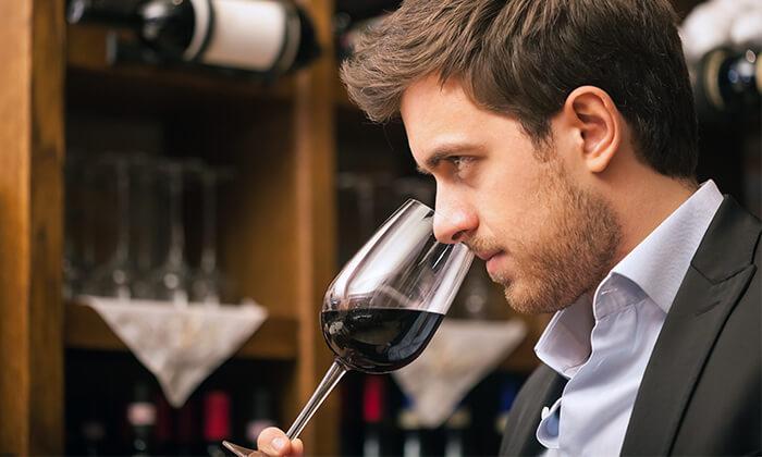 3 סדנאות יין בבית 'איש הענבים' - יפו