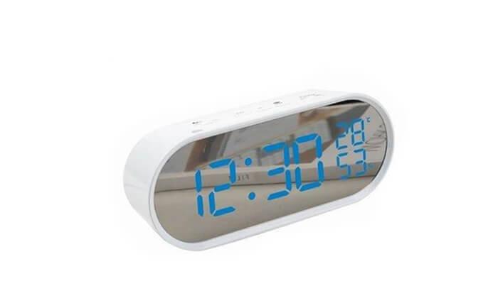 5 שעון רדיו דיגיטלי
