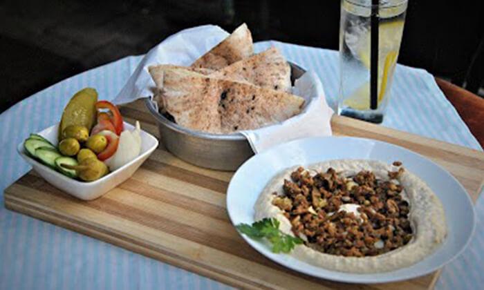 5 ארוחה זוגית טבעונית כולל קינוח בבר-מסעדה ALF, חיפה