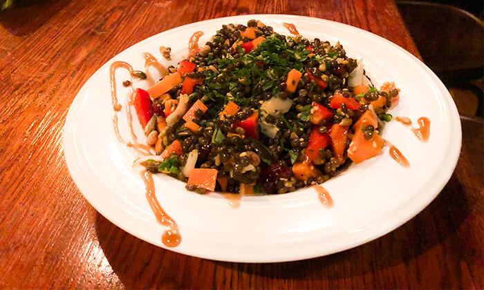 4 ארוחה זוגית טבעונית כולל קינוח בבר-מסעדה ALF, חיפה